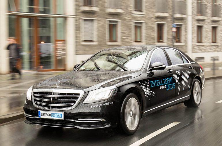Mercedes test autonoom rijden