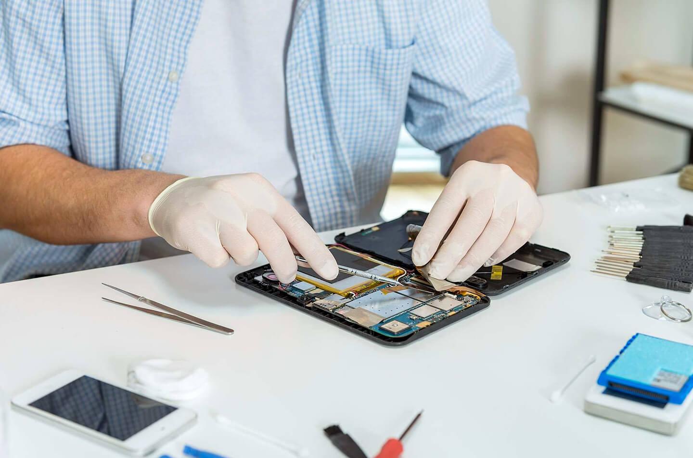 Reparatie van oude smartphones