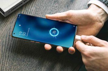 Oppo 5G telefoon opladen