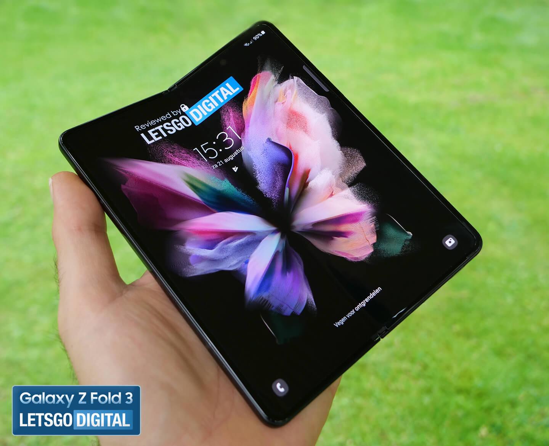 Opvouwbare telefoon under display camera